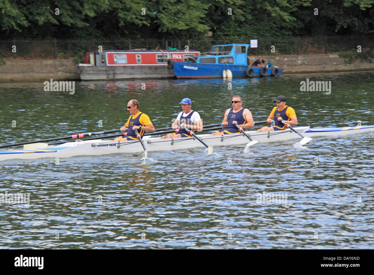 Uk amateur on rowing boat