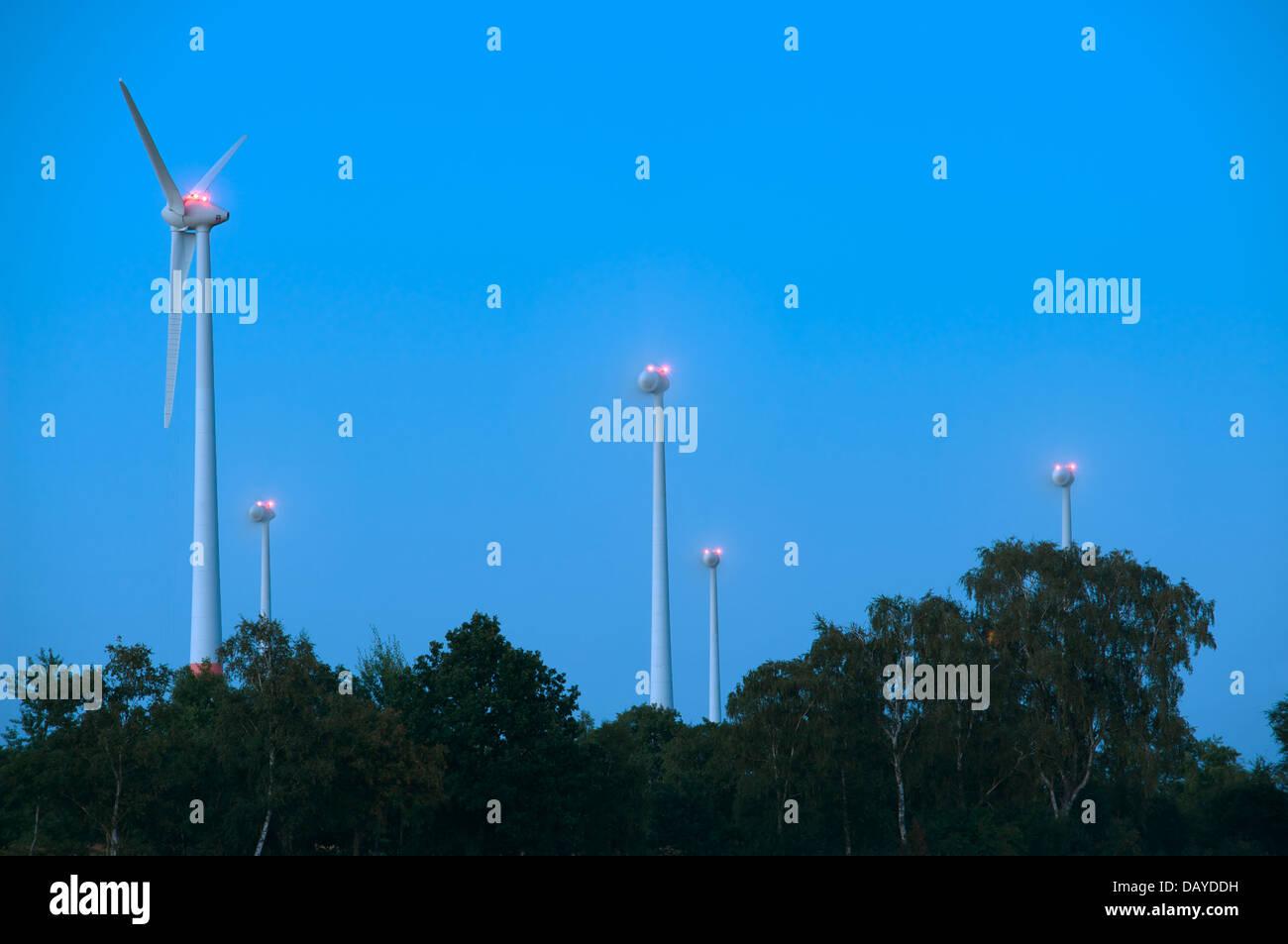 Inland windfarm at night - Stock Image
