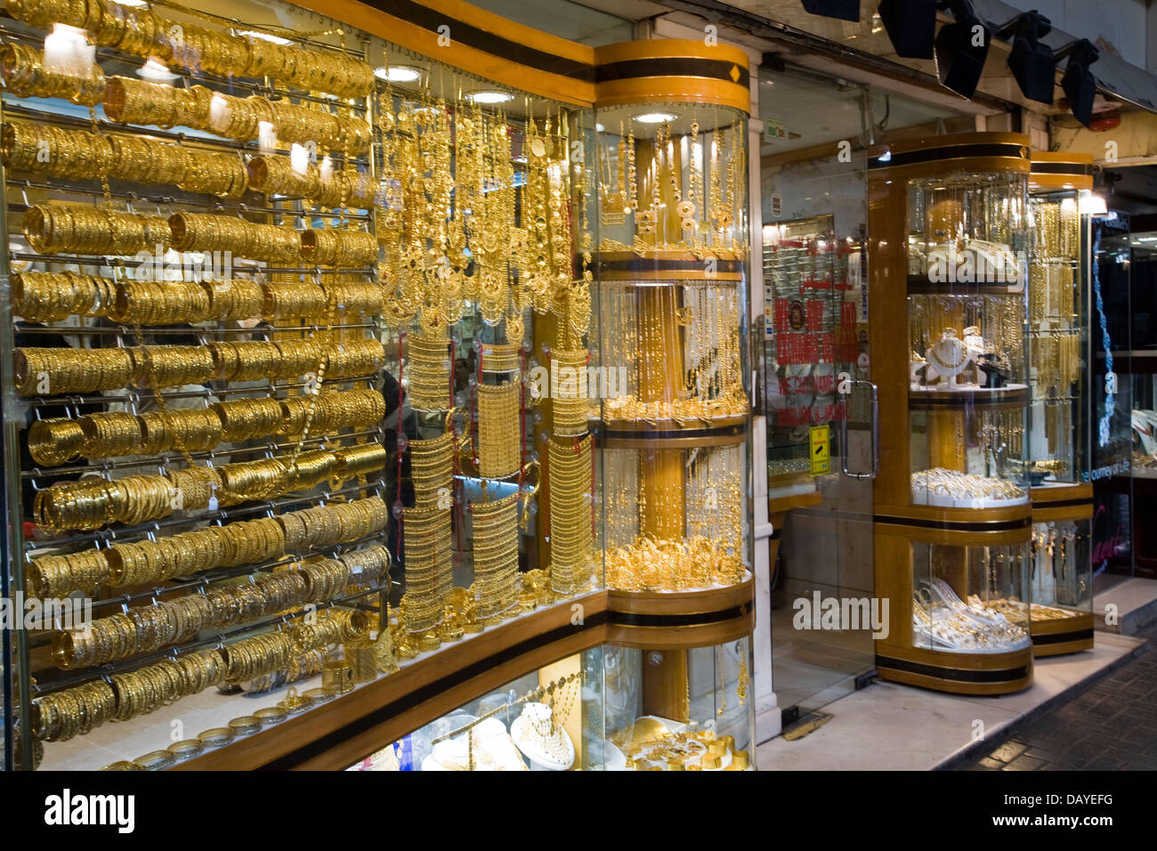 Gold Buyers Stock Photos & Gold Buyers Stock Images - Alamy