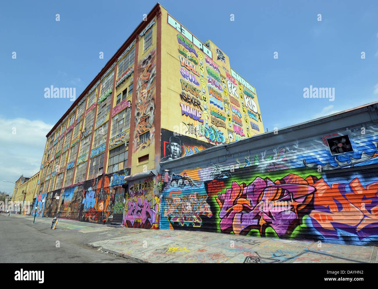 5 pointz graffiti museum in long island city queens new york