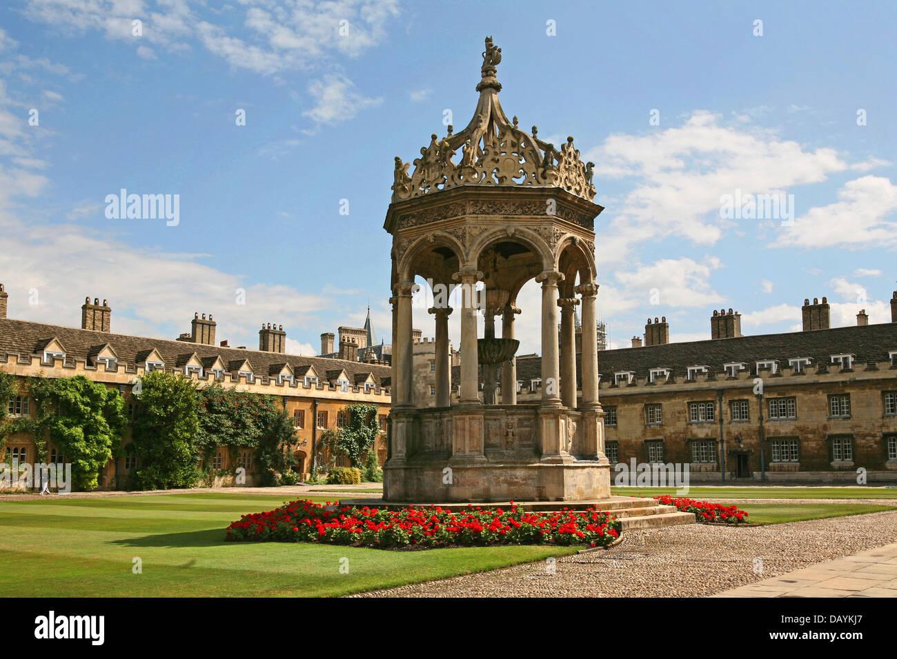 Fountain, Trinity College, Cambridge University, England Stock Photo