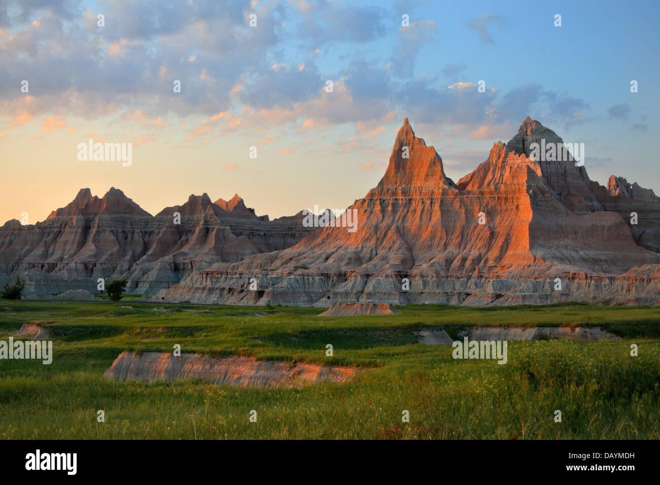Summer sunset lights Vampire Peaks in Badlands National Park, Interior, South Dakota - Stock Image