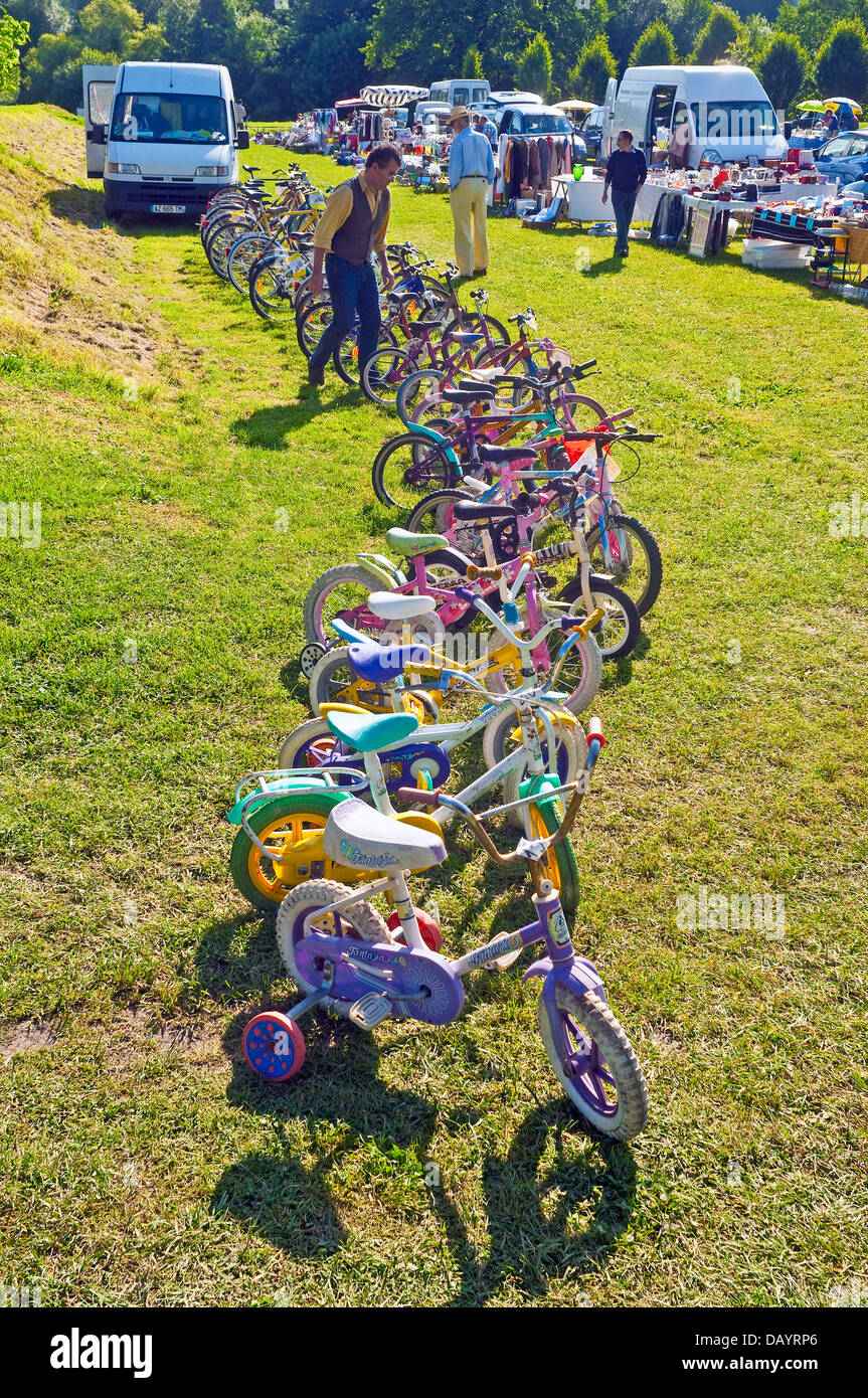 Brocante / Bric-a-brac / Car-boot sale / bicycles - France. - Stock Image