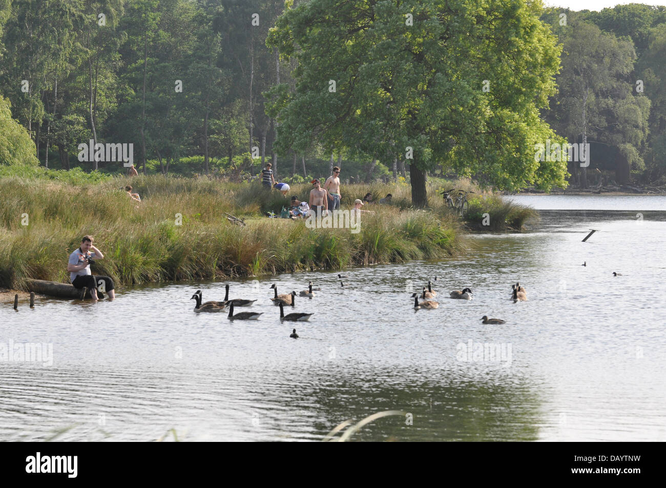 London, UK, Sunday 21st July 2013. As the heat wave continues across the whole of the UK, Londoners in the South - Stock Image