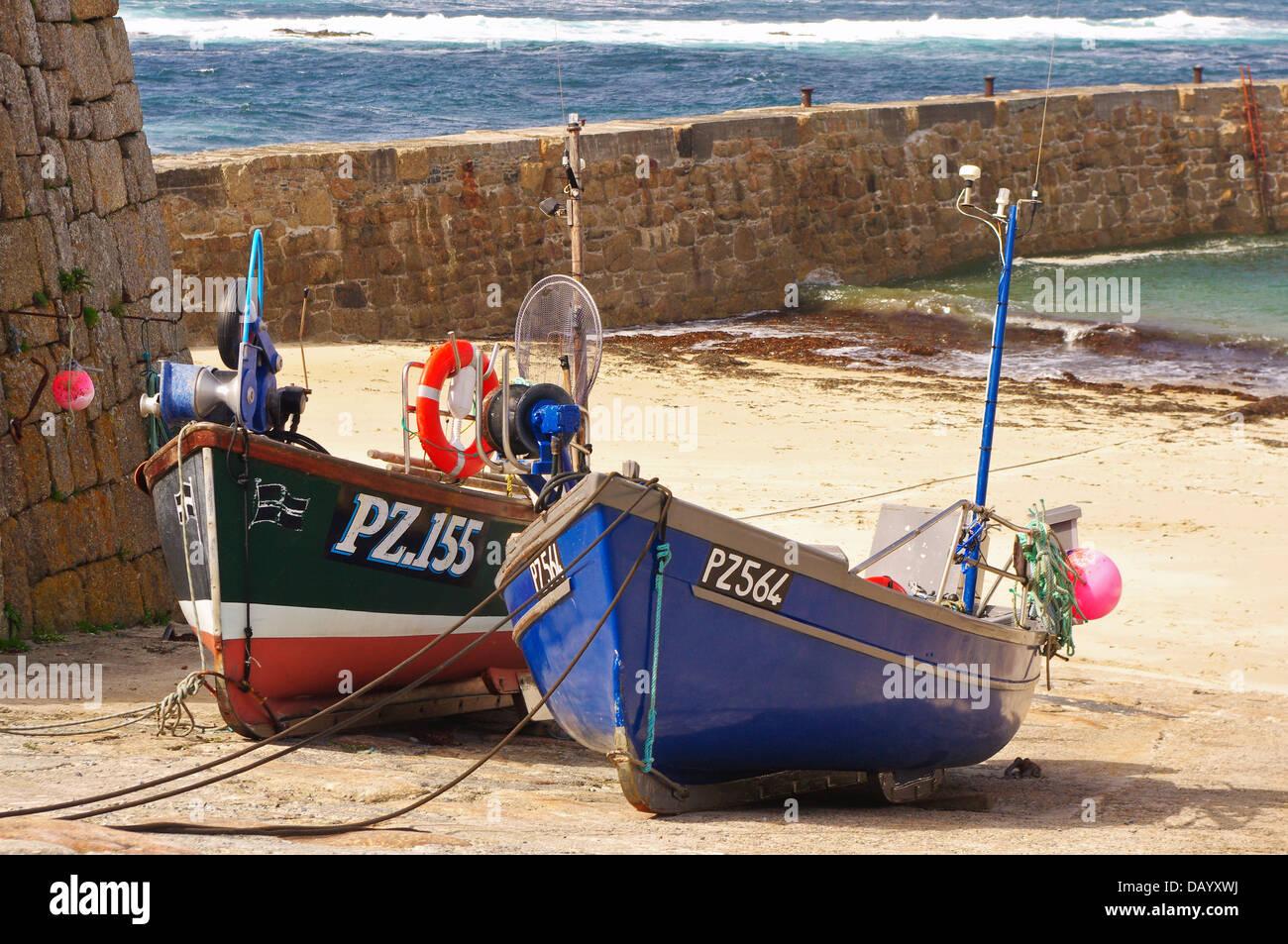 """PZ 155 """"Sarah Jane"""" and PZ 564 """"Tamara"""" shellfish boats at Sennen Cove, Cornwall Stock Photo"""
