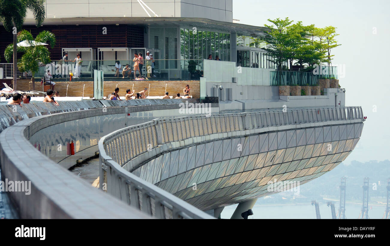 View of Marina Bay Sands Cantilevered Platform and its Famed Infinity Pool - Stock Image