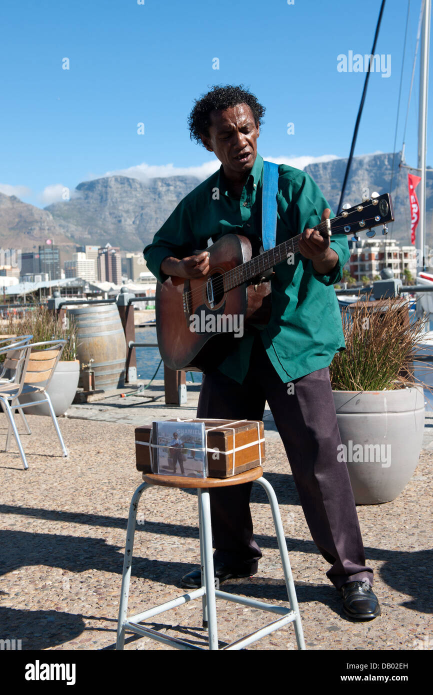 Street musician, Victoria & Alfred Waterfront, Cape Town, South Africa - Stock Image