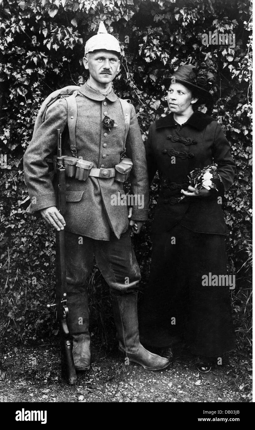 military, Germany, Bavaria, soldier of 14th Infantry Regiment 'Hartmann' with wife before going to the front, - Stock Image