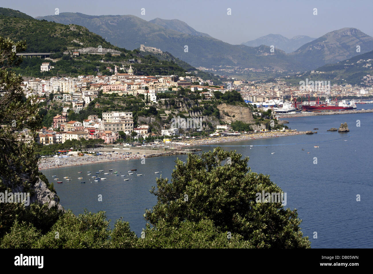 View on Amalfi Coast town Vietri sul mare, Italy, 18 June 2007. Photo: Lars Halbauer Stock Photo