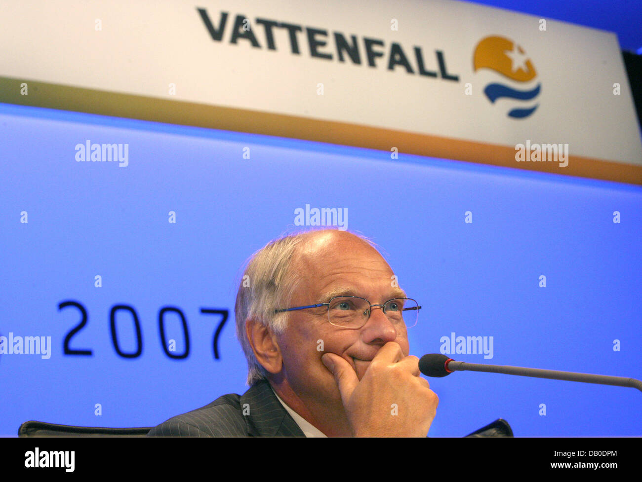 CEO of Swedish power company 'Vattenfall Europe', Lars G. Josefsson, speaks during the general meeting of - Stock Image