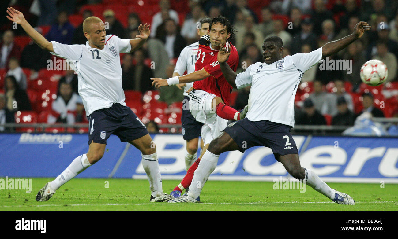 Germany striker Kevin Kuranyi (C) fires a shot during the friendly cap England vs Germany at Wembley of London, Stock Photo