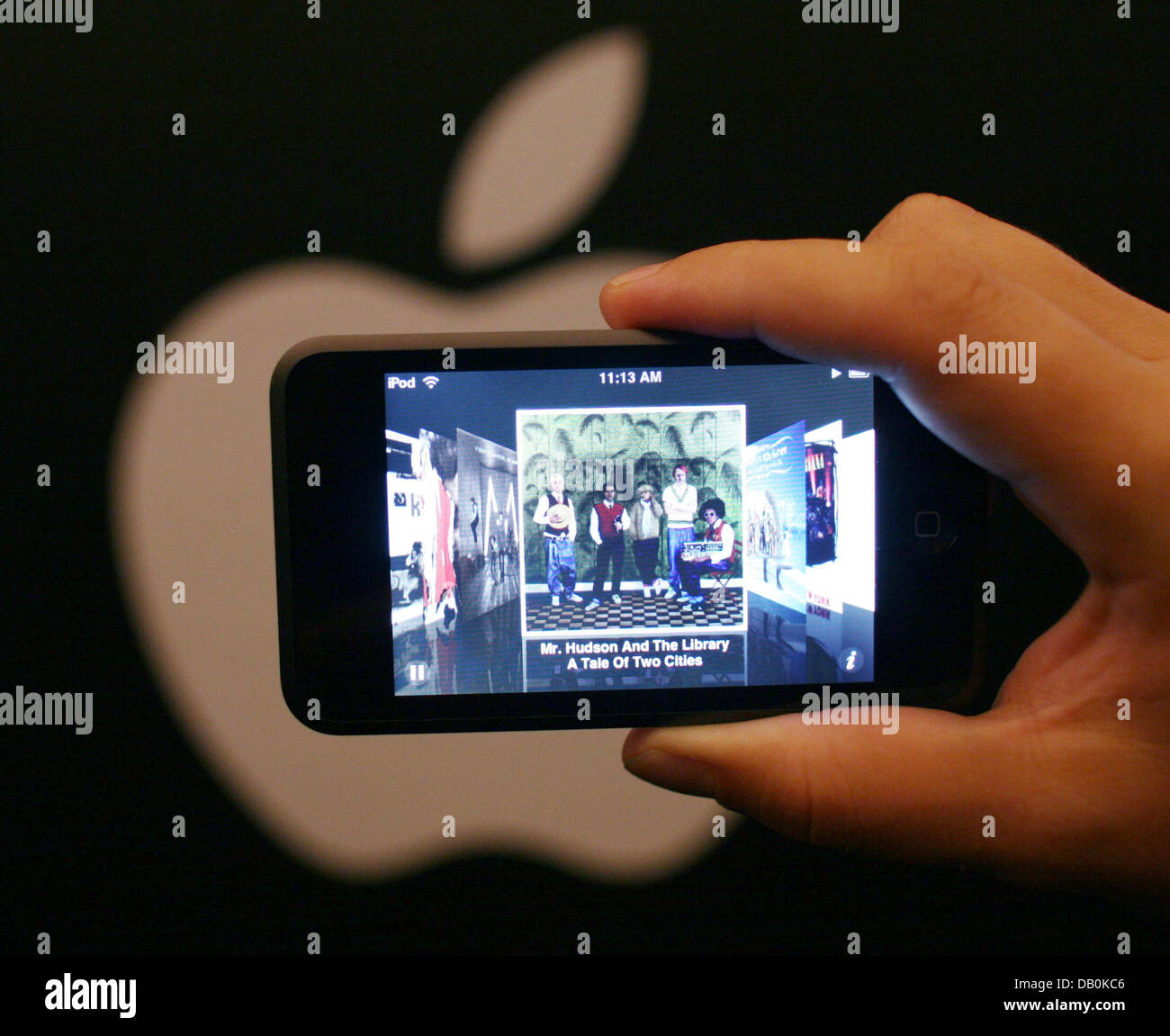 The picture shows the new iPod Touch, which was presented to journalists in Hamburg, Germany, 06 September 2007. - Stock Image