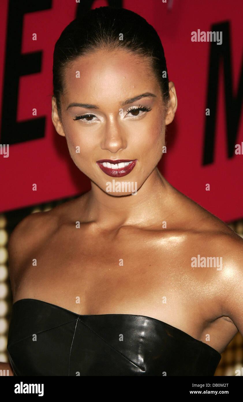 Alicia Smiles alicia keys smiles at the 2007 mtv video music awards