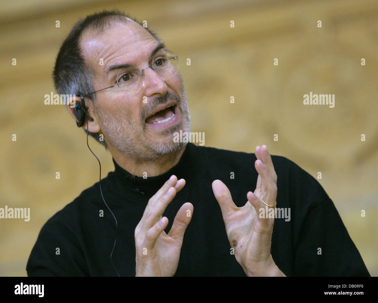 Apple CEO Steve Jobs is pictured during the presentation of the iPhone in Berlin, 19 September 2007. Photo: Peer - Stock Image