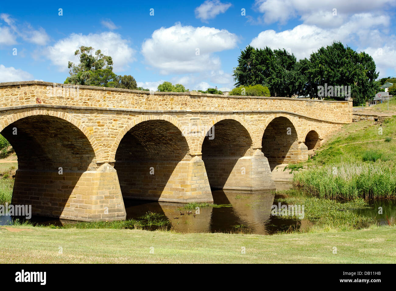 Richmond bridge, Tasmania is the oldest bridge in Australia, built by convicts in 1823. - Stock Image