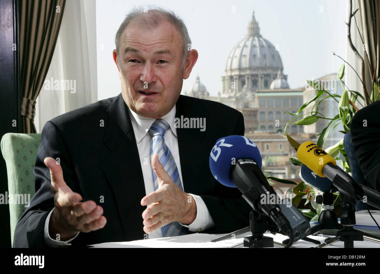 Bavarian Prime Minsiter Guenther Beckstein gestures during a press conference in Vatican City, Vatican City State, - Stock Image