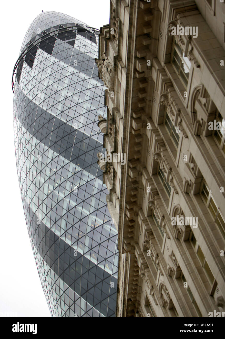 The picture shows the Swiss Re Tower designed by British star architect Sir Norman Forster in London, United Kingdom, - Stock Image