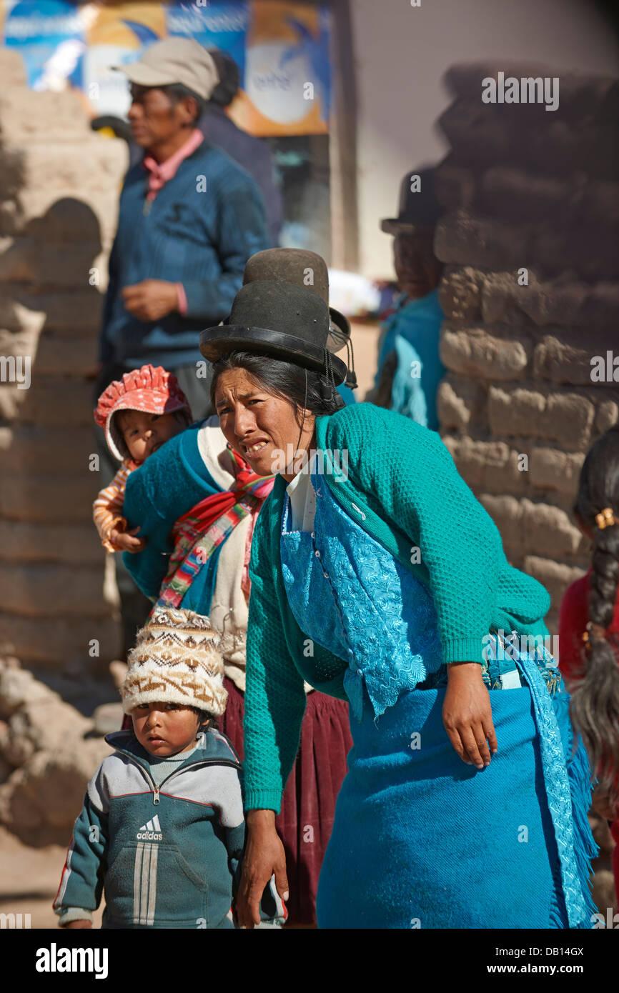 Quechua inhabitants of new San Antonio de Lipez, Bolivia, South America - Stock Image