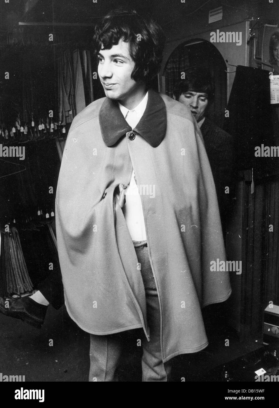CAT STEVENS (Yusuf Islam)  English pop musician in a Carnaby Street boutique in January 1967. Photo Tony Gale - Stock Image