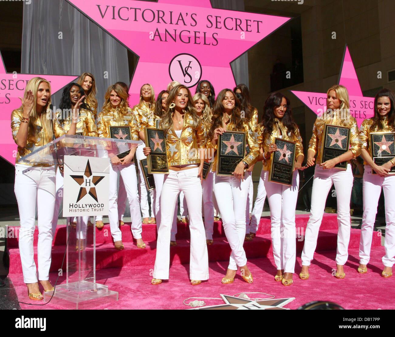 Tyra Banks Promotes New Book With Her Bra On Show: Victoria Secret Stock Photos & Victoria Secret Stock
