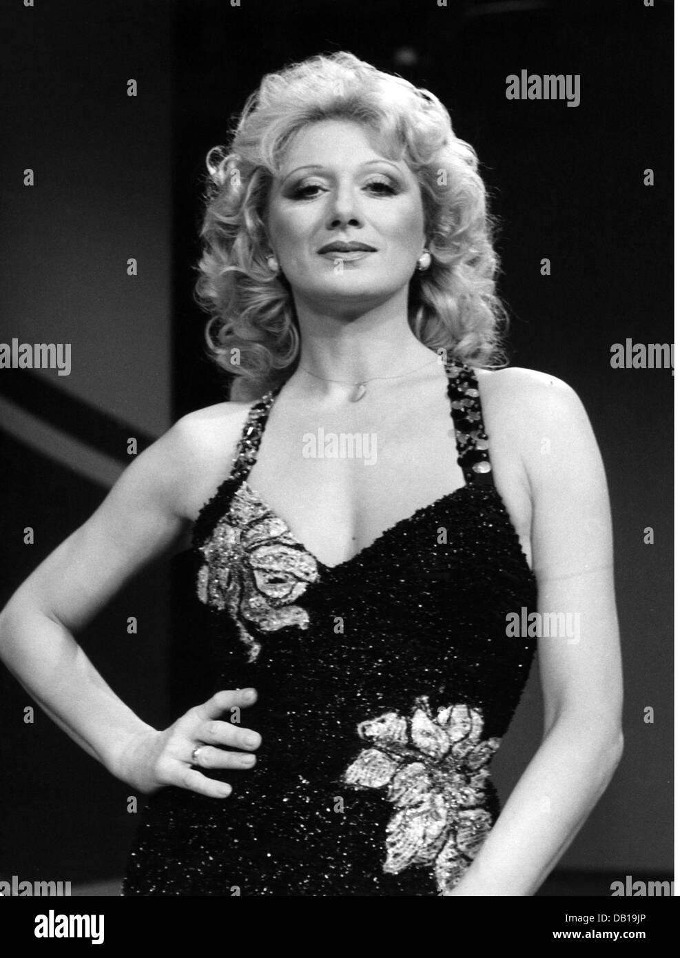 Werner, Margot, 8.12.1937 - 1.7.2012, Austrian dancer and singer, half length, at the ARD television show 'Die - Stock Image