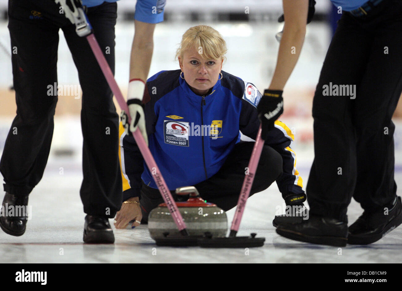 Anette Norberg anette norberg of the swedish national women's curling team