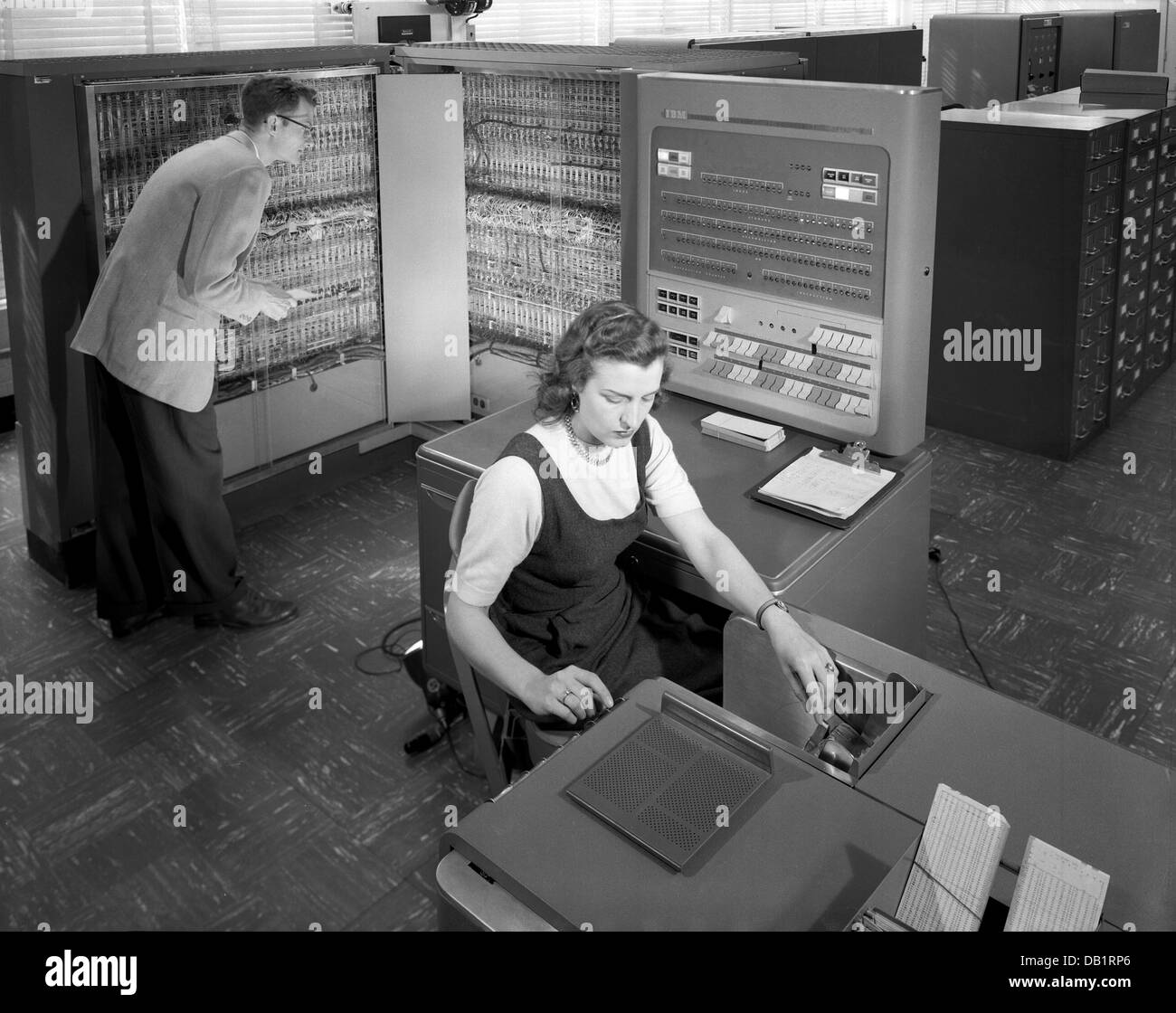 IBM TYPE 704 data processing machine  used by workers at US National Advisory Committee for Aeronautics in 1957 - Stock Image