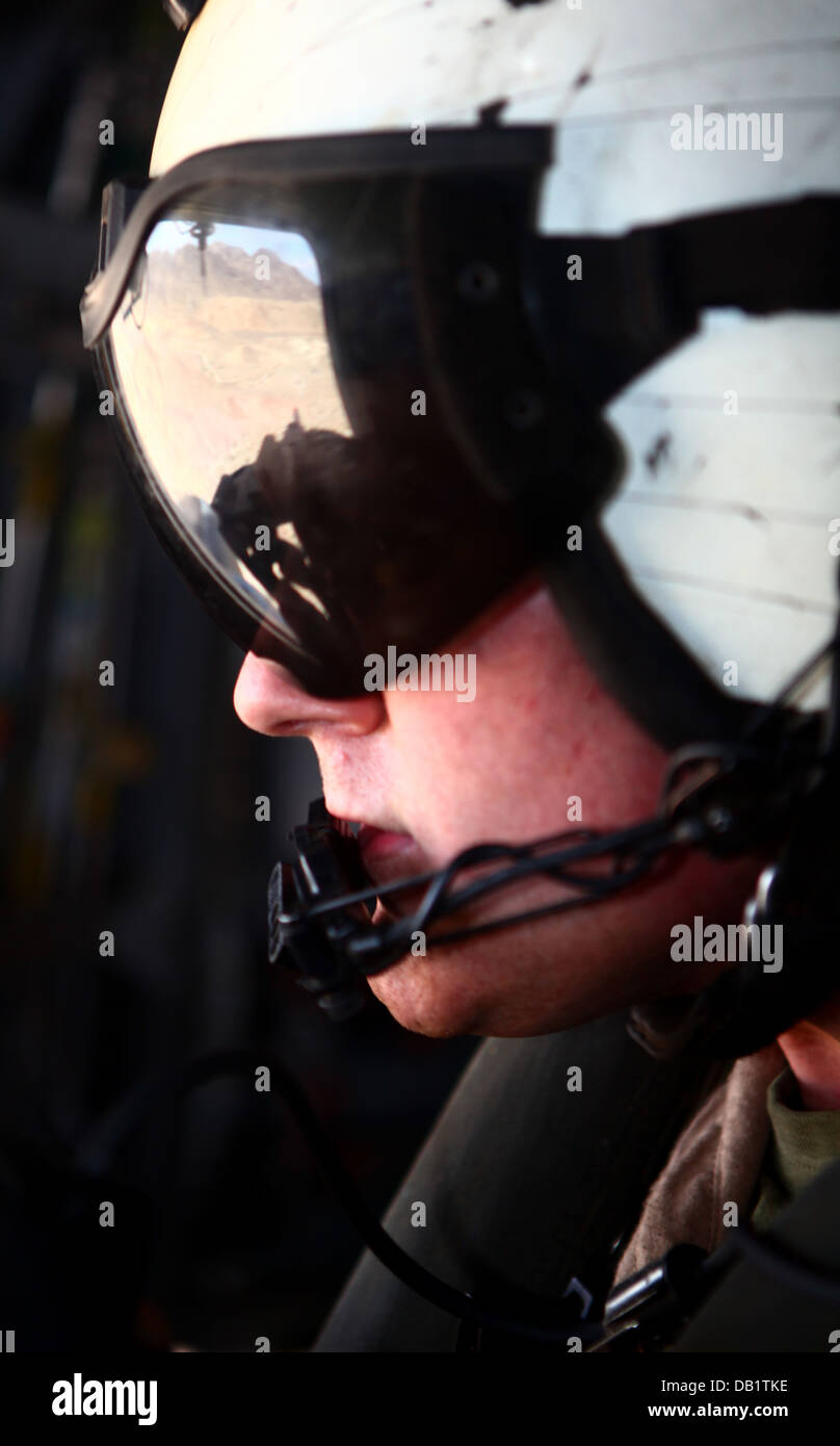 Sgt. Christopher Johnson, an aerial gunner instructor with Marine Heavy Helicopter Squadron 465 'Warhorses' - Stock Image