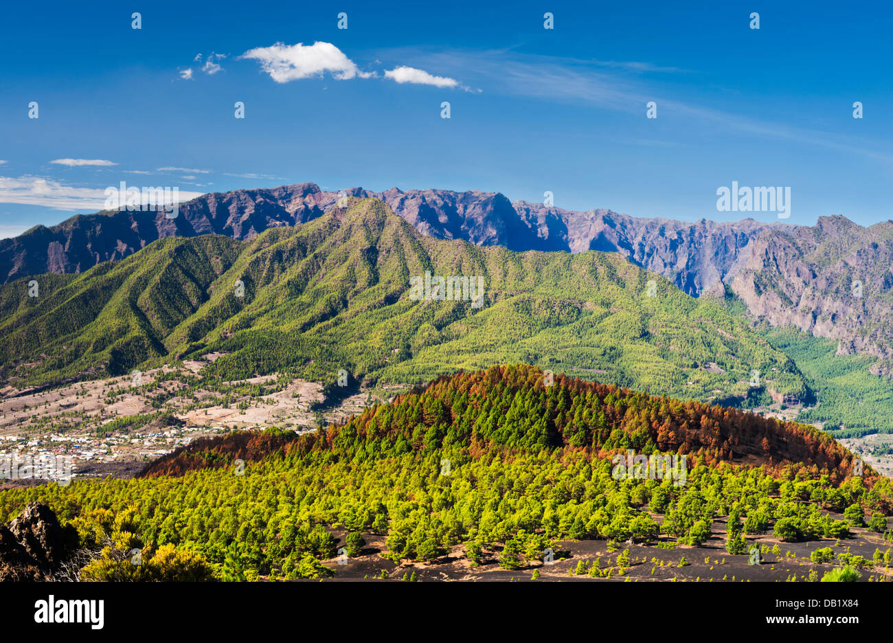 View northwards from Llano del Jable to Montana de Enrique, Pico Bejenado and Caldera de Taburiente, La Palma, Canary - Stock Image