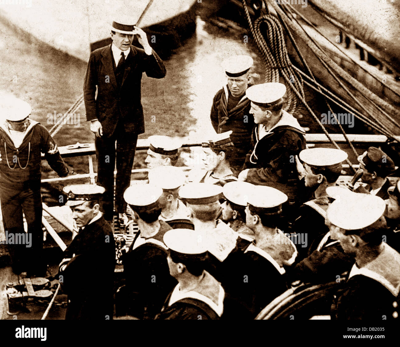 Scott's Antarctic Expedition Captain Scott addressing the crew of the Terra Nova prior to departure probably - Stock Image