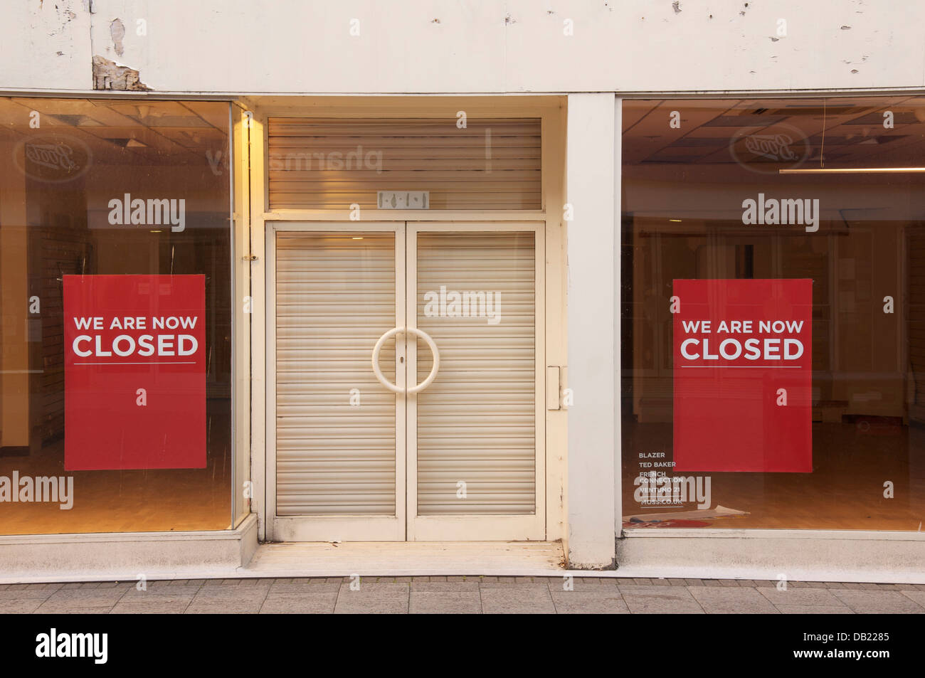 Closed. This empty shop in Dorchester is just one of the many casualties of the global economic crisis, visible Stock Photo