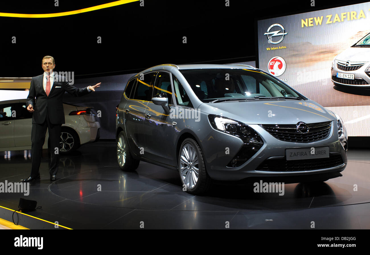 Opel Zafira Stock Photos Opel Zafira Stock Images Alamy