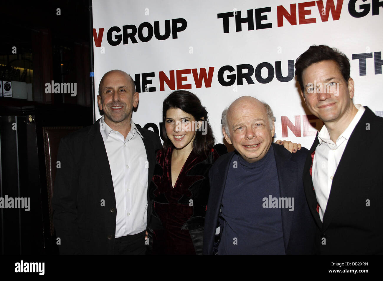Scott Elliott, Marisa Tomei, Wallace Shawn and Frank Whaley  Celebration for The New Group Off-Broadway production - Stock Image
