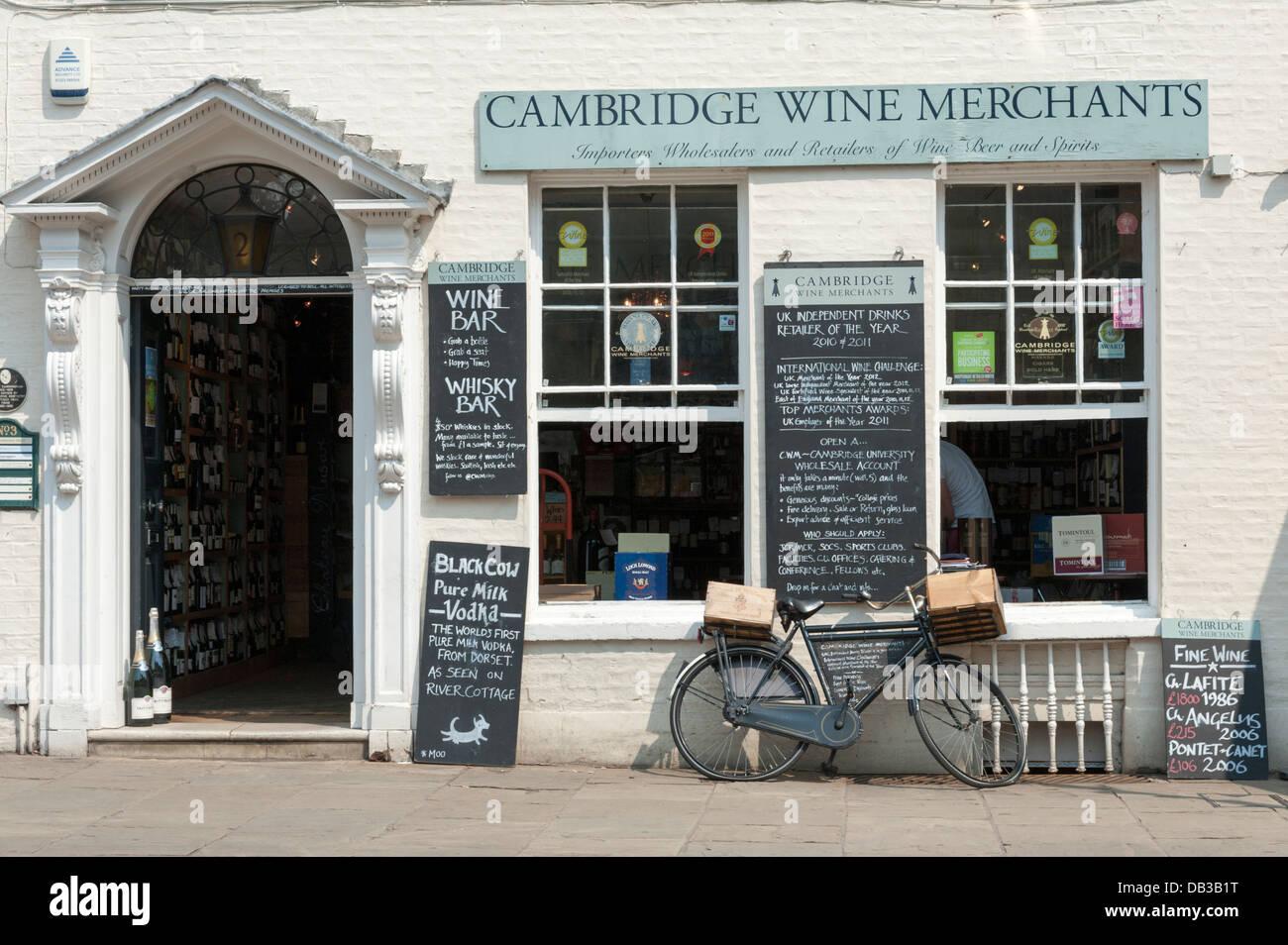 Cambridge Wine Merchants Shop King's Parade Cambridge UK - Stock Image