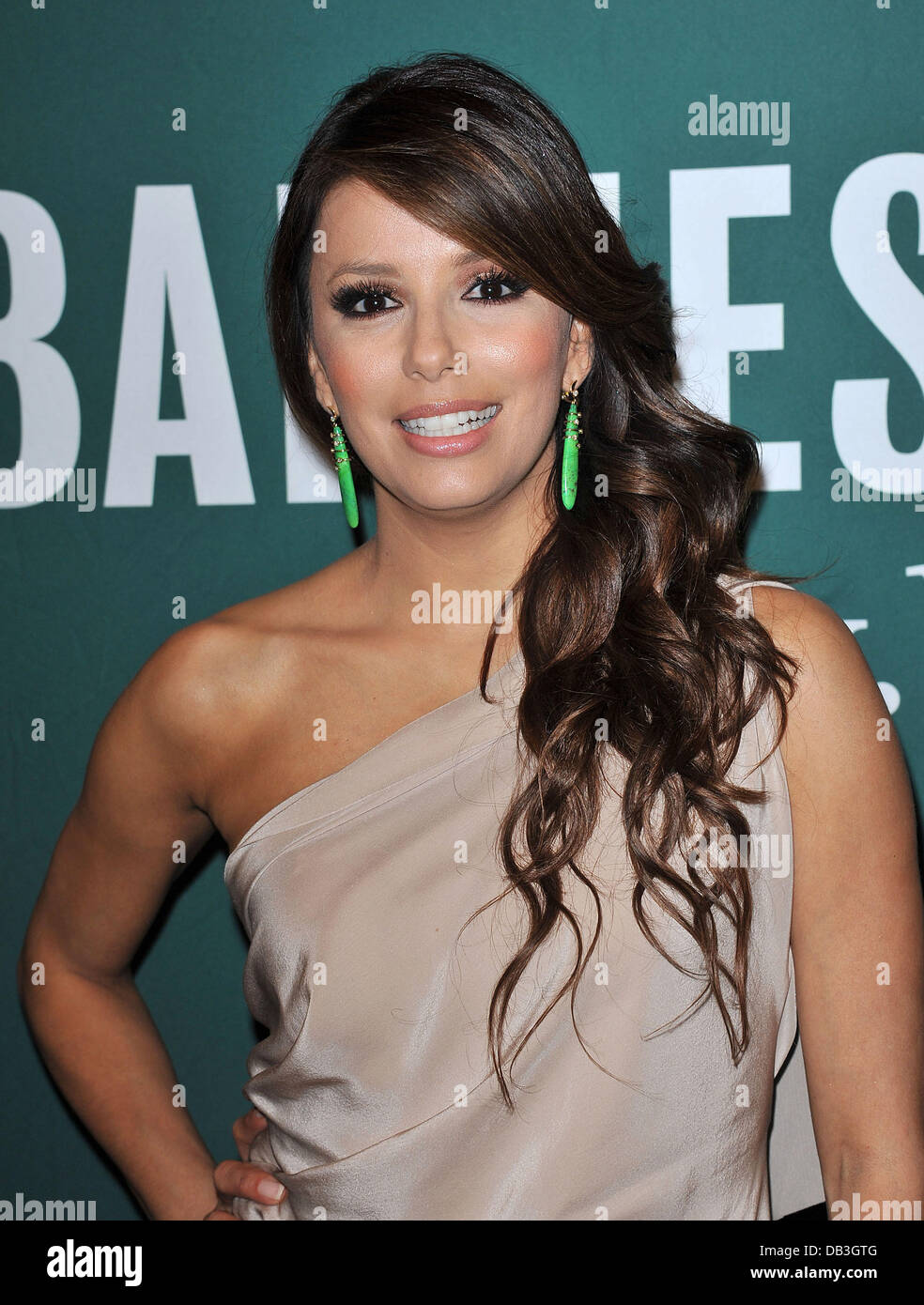 Eva Longoria signs copies of her new book \'Eva\'s Kitchen: Cooking ...