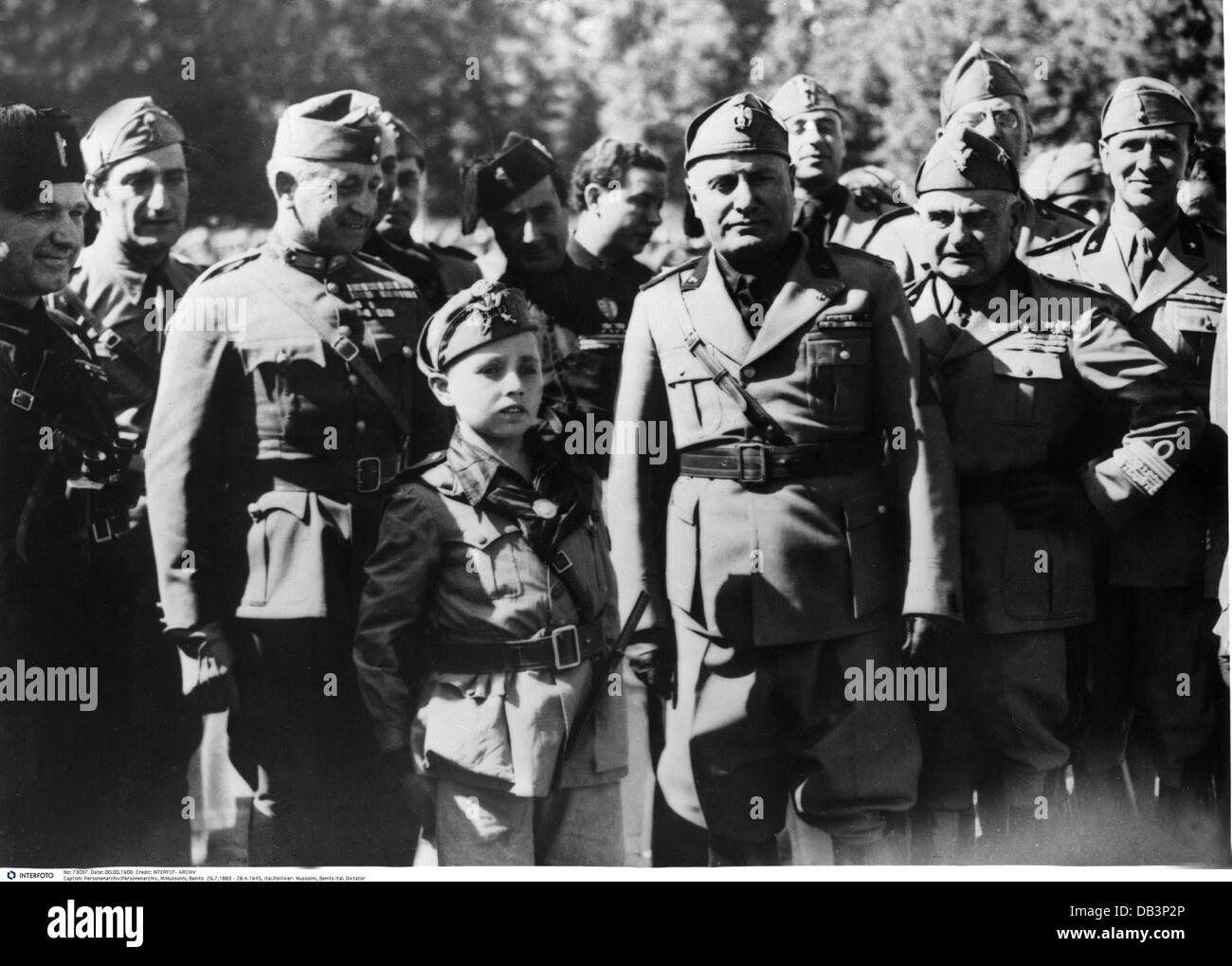 personal opinion on mussolinis totalitarian dictatorship in italy Totalitarianism as a method of government first conceptually developed in the 1920's by italian fascists, primarily giovanni amendola benito mussolini - having seized power in italy in 1922, mussolini become the leader of the nation and immediately began to rule in a totalitarian manner.