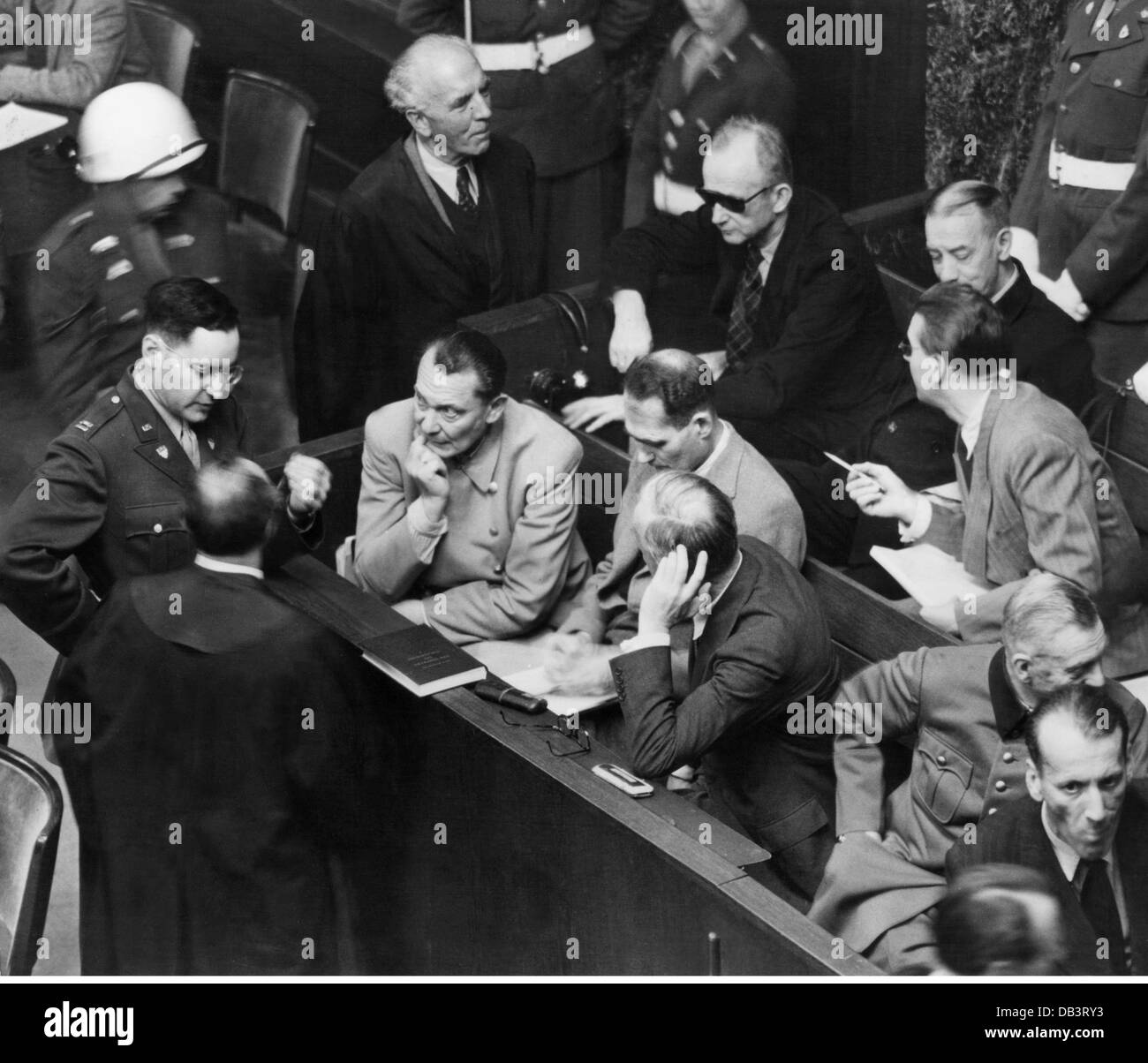justice, lawsuits, Nuremberg Trials, trial against the major war criminals, psychologist Gustave M. Gilbert in conversation - Stock Image