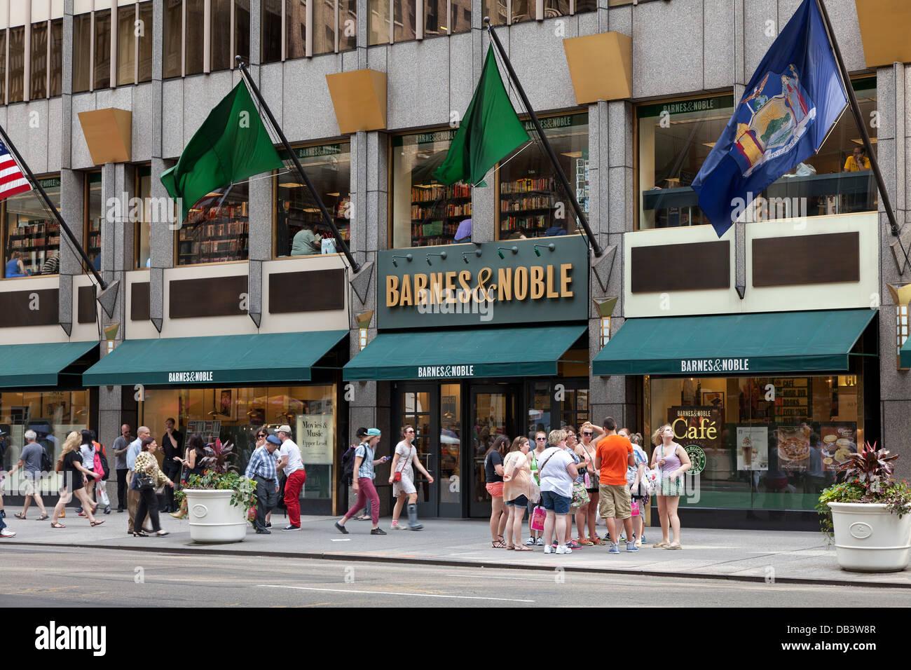 Barnes & Nobles bookstore in New York City - Stock Image
