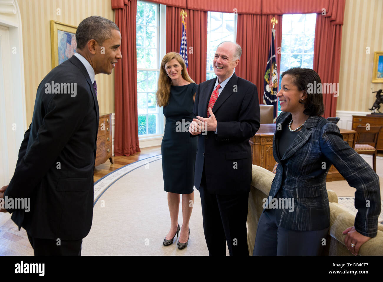 President Barack Obama talks with, from left: Samantha Power, former Senior Director for Multilateral Affairs and - Stock Image