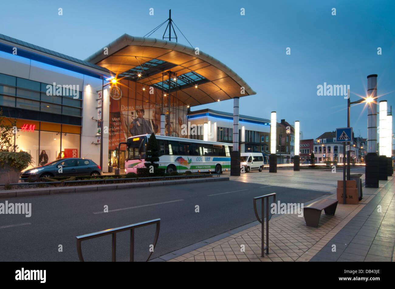 Europe, France, Nord pas de Calais, Calais shopping mall - Stock Image