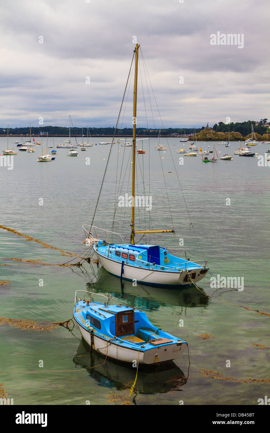 Sailing boats near St. Malo in Brittany, France - Stock Image