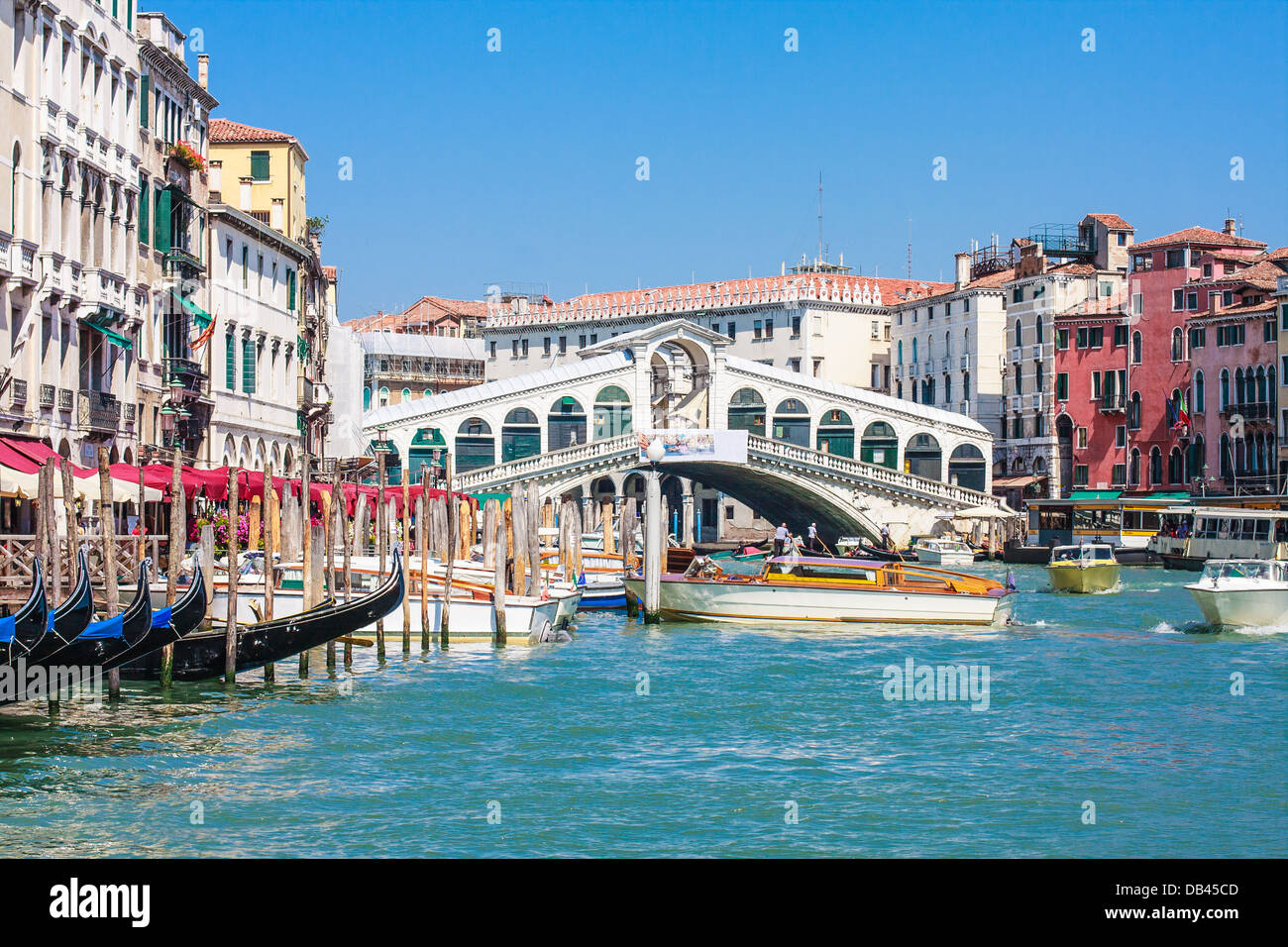 Venice - Rialto Bridge and Canale Grande, Italy - Stock Image