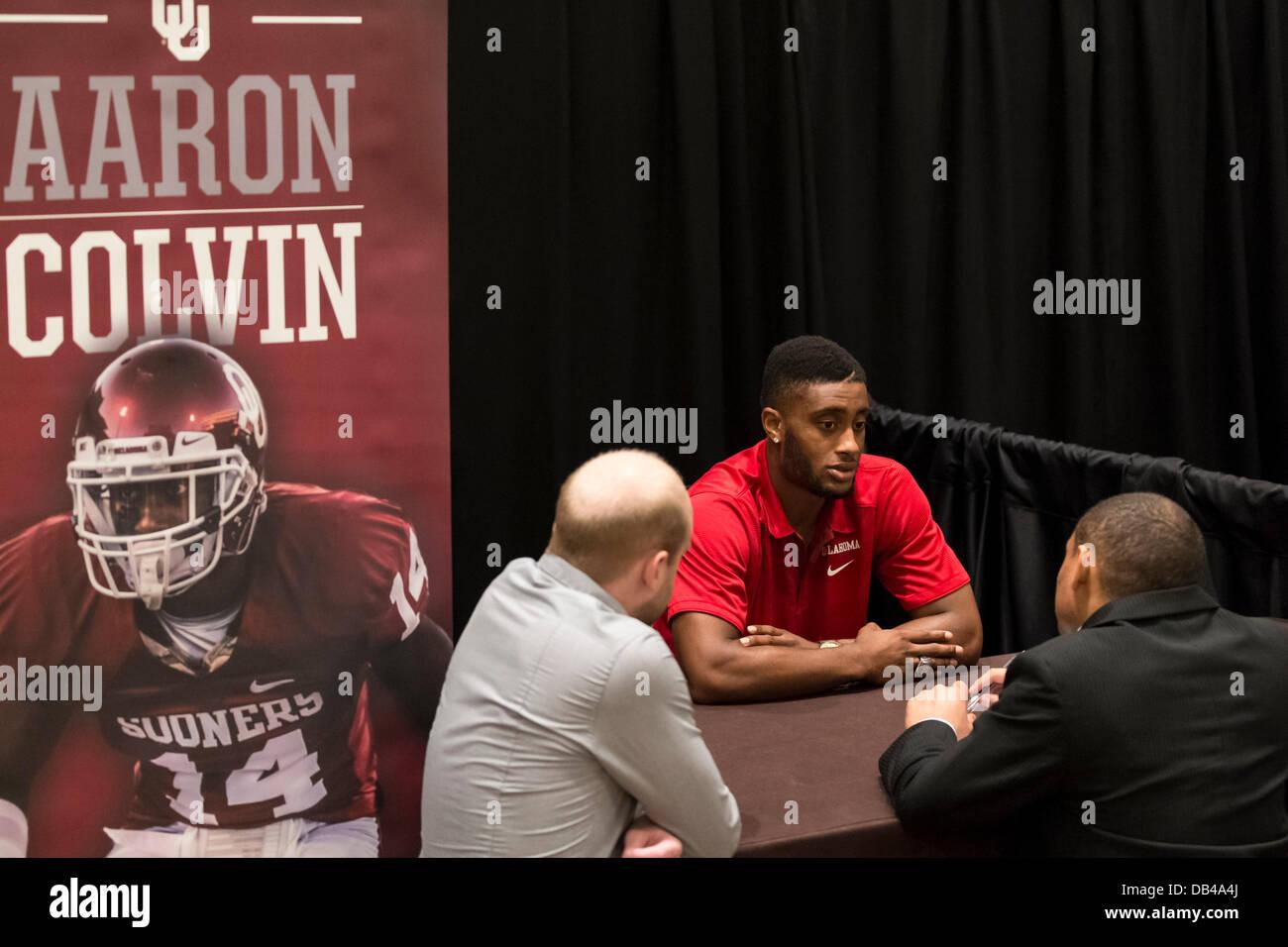 Dallas, Texas, USA. 23rd July, 2013. July 23, 2103: Oklahoma Sooners cornerback Aaron Colvin talks with reporters - Stock Image