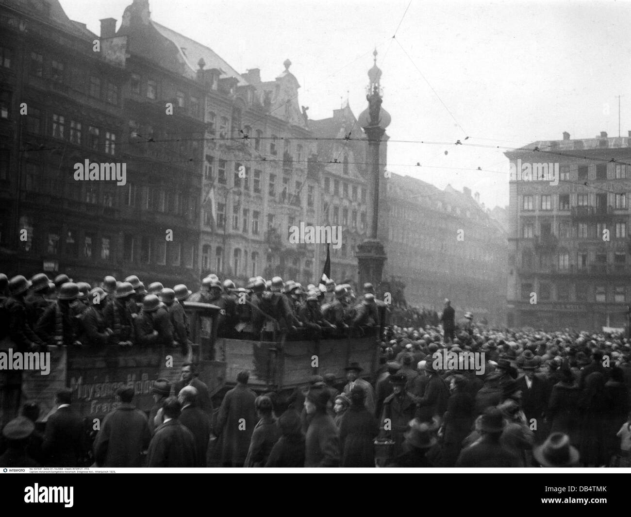 Beer Hall Putsch 1923, putschists in lorry at Marienplatz, occupation of the town hall, Munich, Germany, 9.11.1923, Stock Photo
