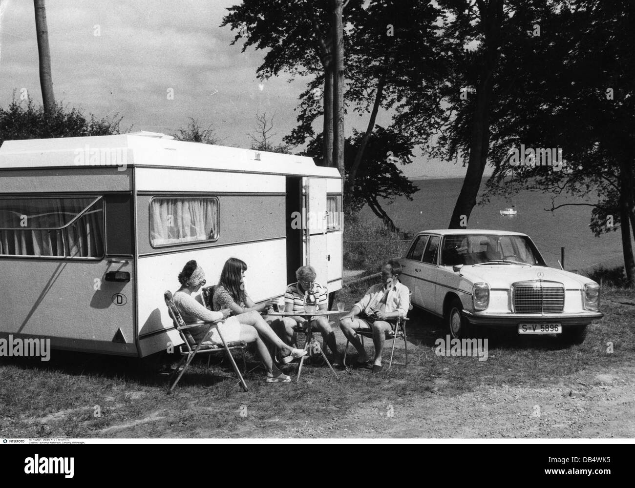 tourism camping trailer family with car and caravan. Black Bedroom Furniture Sets. Home Design Ideas