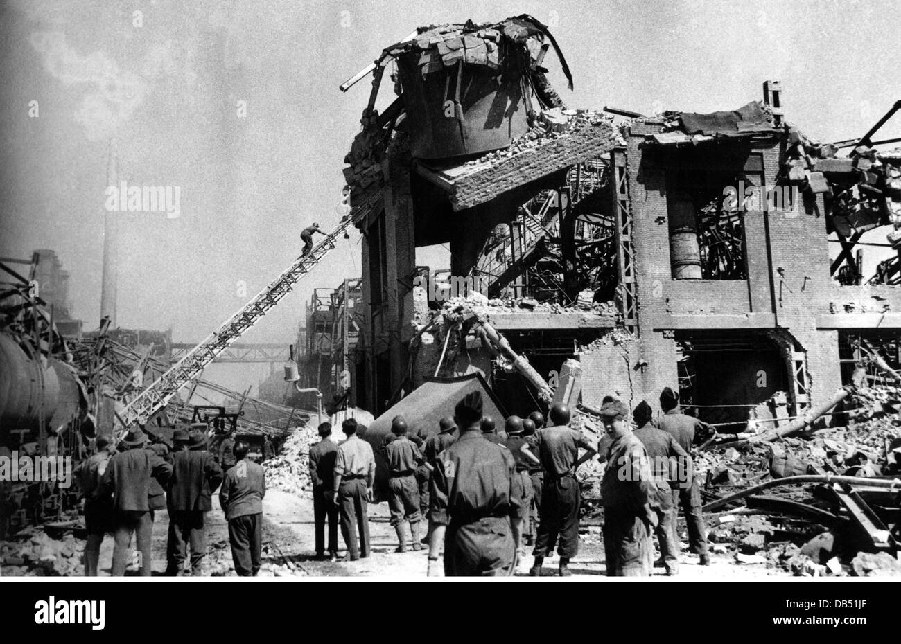 disasters, explosions, BASF, explosion of a leak tank wagon with dimethyl ether, Ludwigshafen, 28.7.1948, Additional - Stock Image