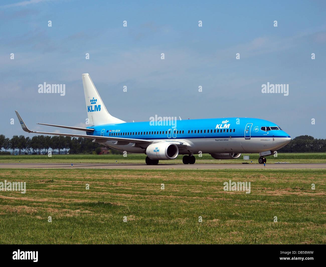 PH BXM KLM Royal Dutch Airlines Boeing 737 8K2WL 2