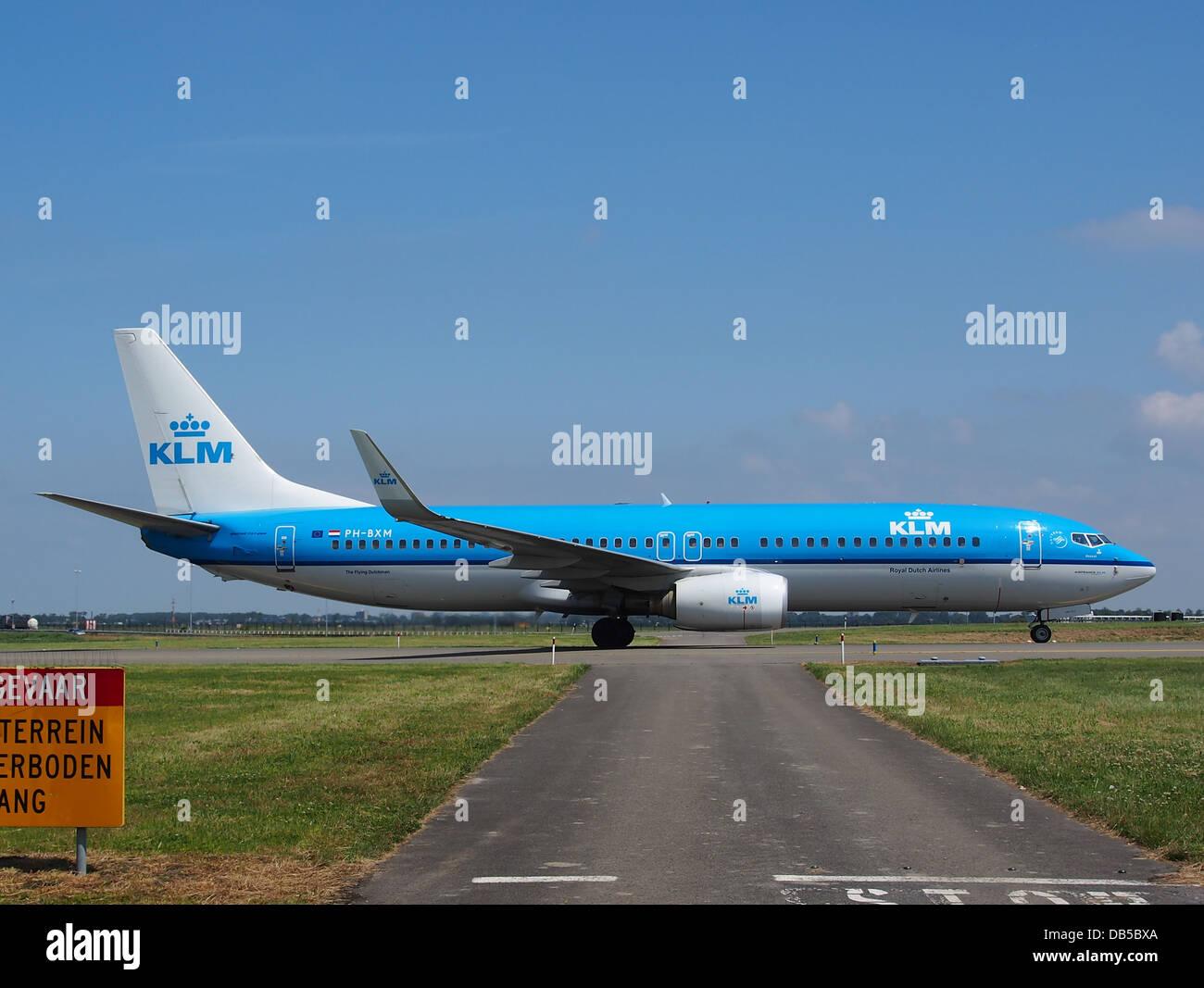 PH BXM KLM Royal Dutch Airlines Boeing 737 8K2WL 3