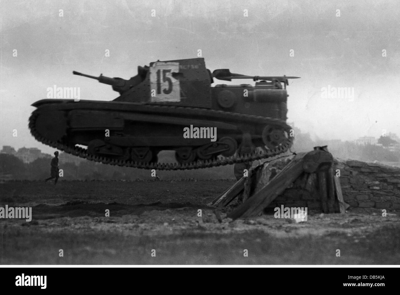 a tankette carro veloce cv 35 l3 35 stock photos  u0026 a tankette carro veloce cv 35 l3 35 stock
