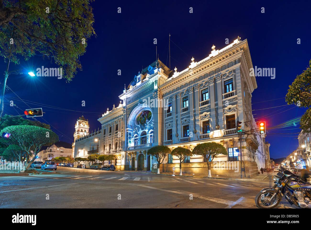 night shot Palacio de la Prefectura de Chuquisaca in Sucre, Plaza 25 de Mayo, Bolivia, South America - Stock Image